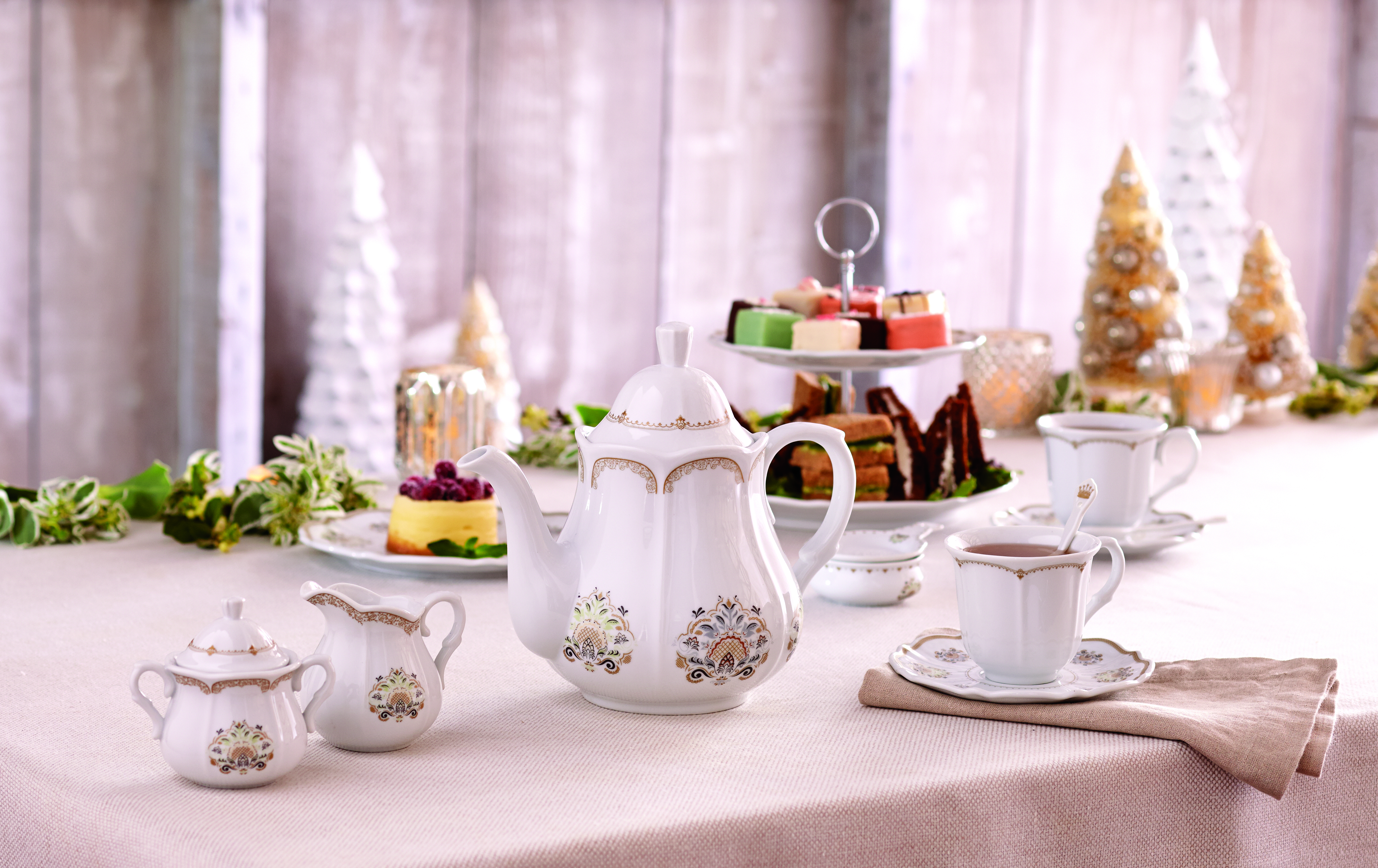 Party downton abbey virtual tea party see vanessa craft do the downton virtual tea party monicamarmolfo Image collections