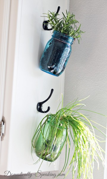 Hanging-Herb-Mason-Jars-2_thumb