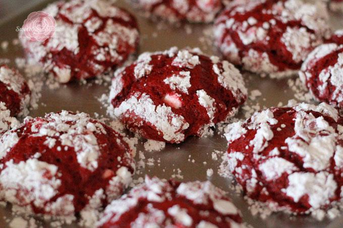 Red-Velvet-Whoopie-Pies-4