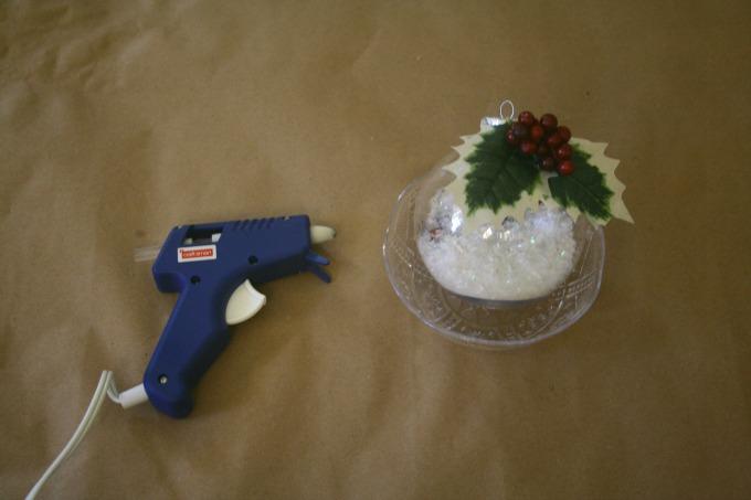 Simple Kids Craft - DIY Christmas Tree Ornament