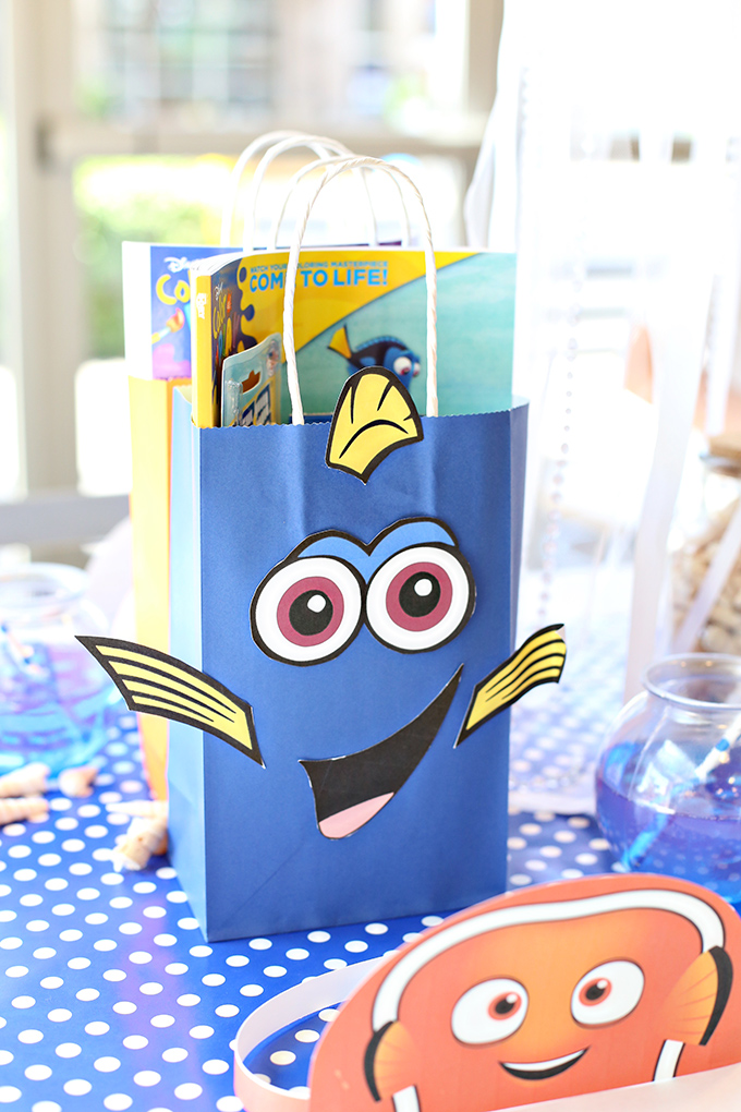 Finding Dory Bags Party Favors 8 copy