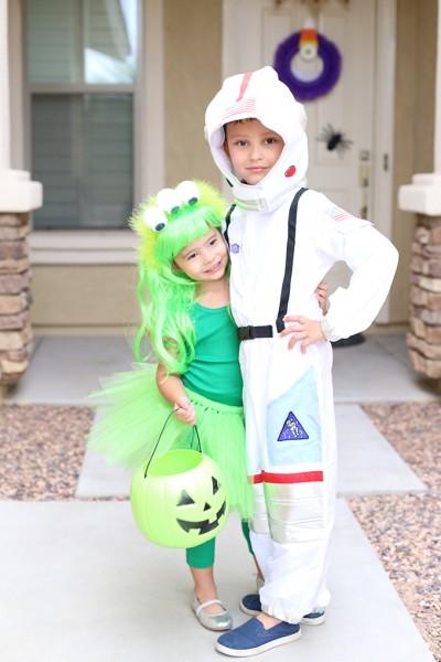 Martian and Astronaut Halloween Sibling Costume Idea