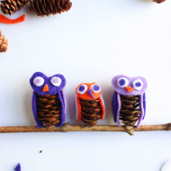 Felt Pinecone Owls Craft for Halloween and Kids