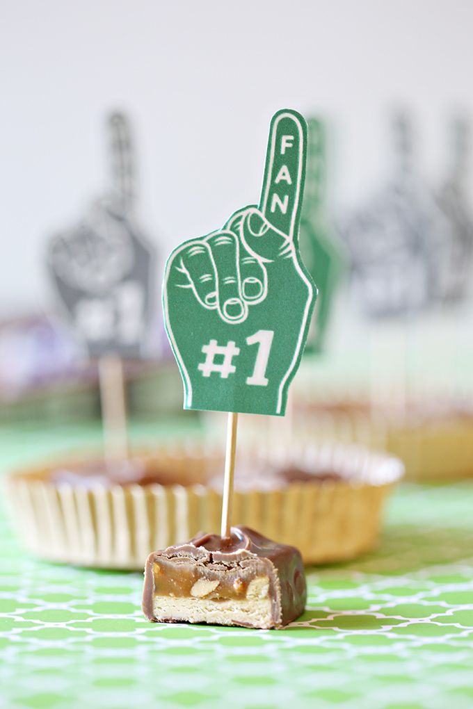 snickers-football-foam-finger-printable-2-copy