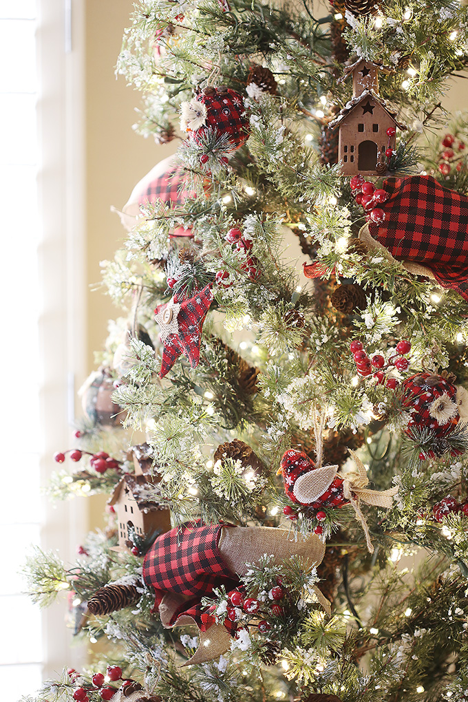 buffalo plaid christmas tree 4 copy - Buffalo Check Christmas Decor