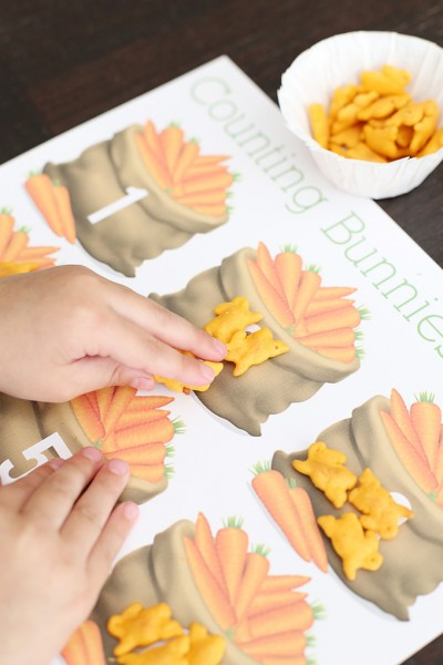 Annie's Cheddar Bunnies Counting Printable Game for Preschoolers