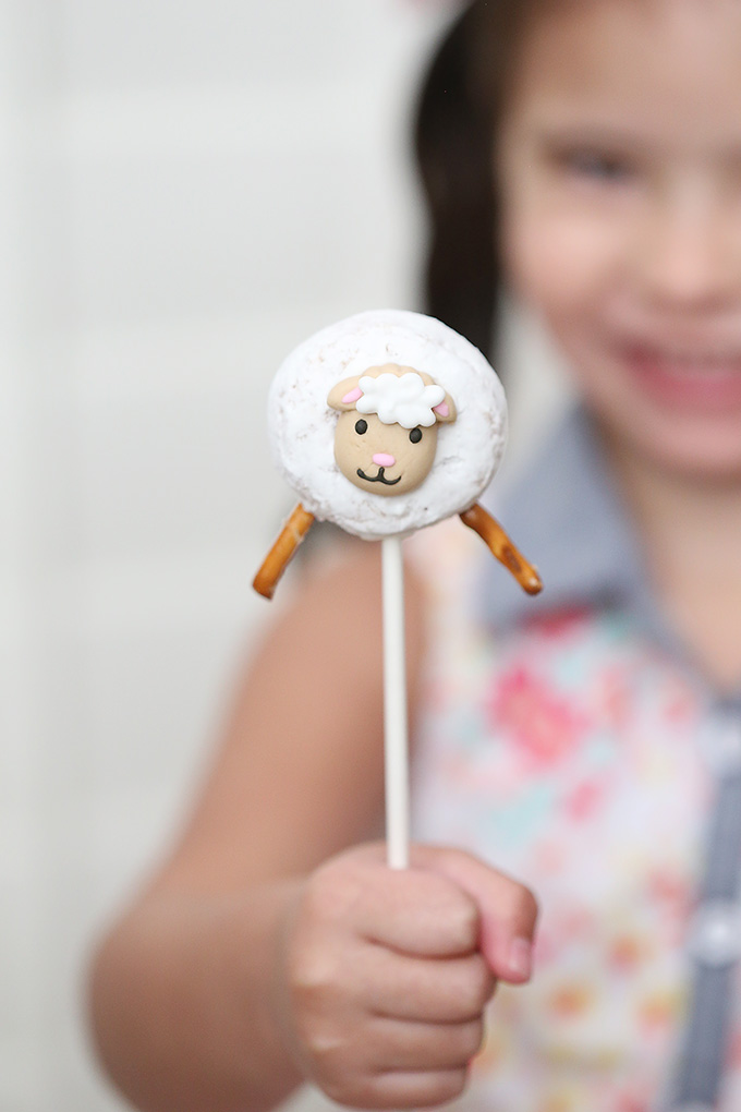 Little Lamb Donut Pops 5 copy