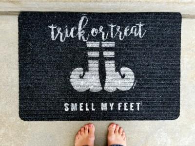 Halloween: DIY Stenciled Trick or Treat Doormat