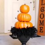 Halloween: Stacked Pumpkin Topiary