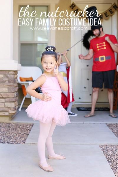 Halloween: Easy Nutcracker Family Costume Idea