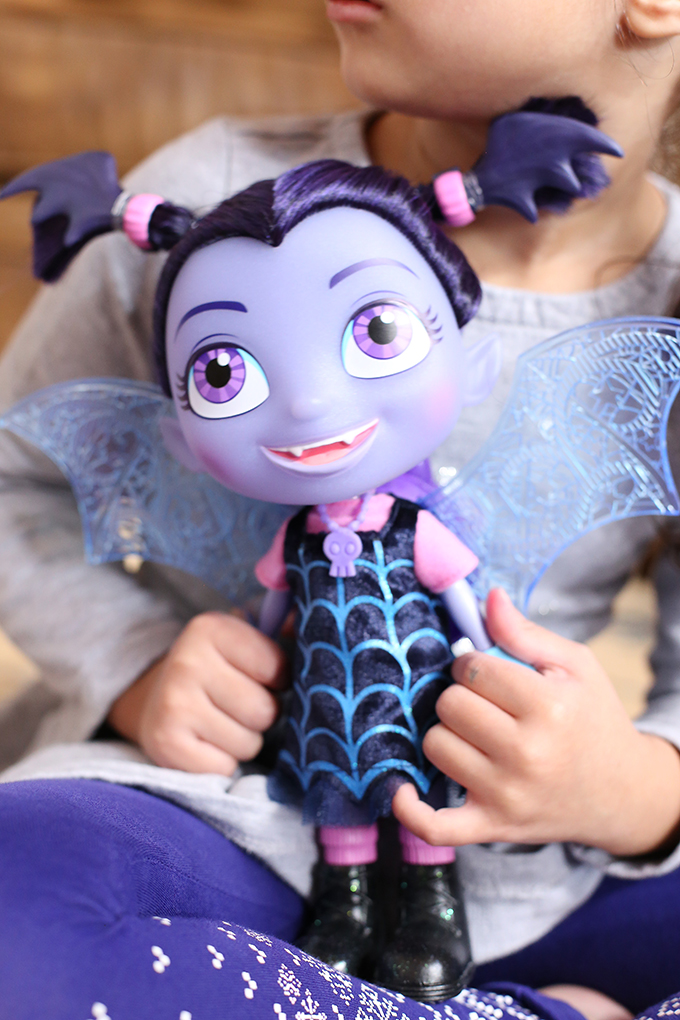 Vampirina Disney Junior 1 copy