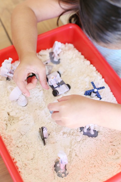 Easy 2 Ingredient Moon Sand Recipe for Kids
