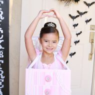 Halloween: DIY Ballerina Jewelry Box Costume