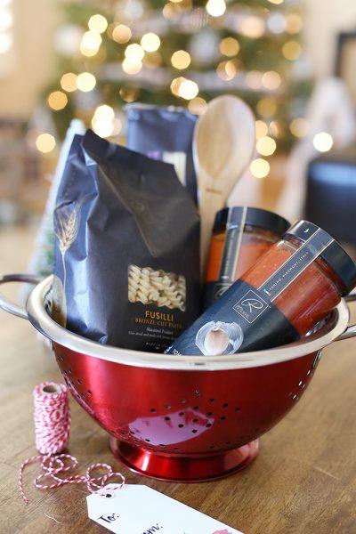 DIY Italian Cooking Christmas Gift Basket with Free Printable Tags