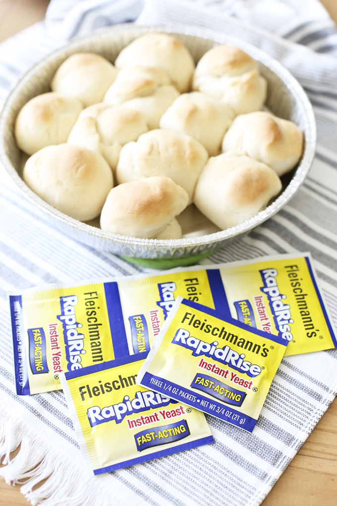Homemade Garlic Parmesan Dinner Rolls Recipe\